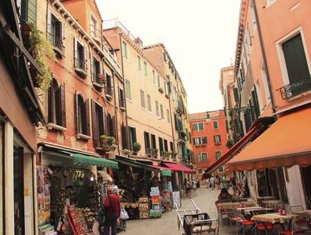 Market in Venice by Les Mumm art print